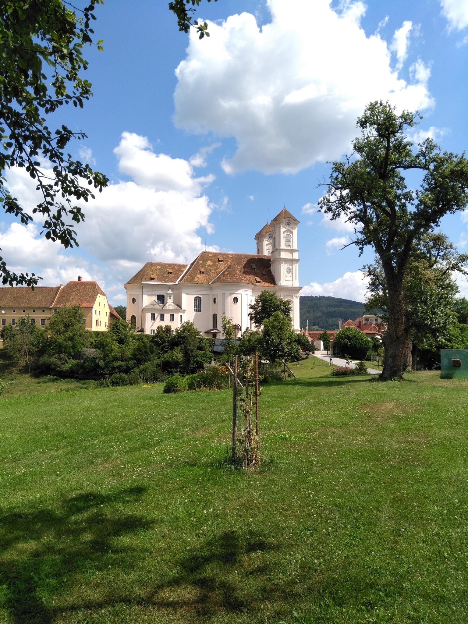 Basilika am Weizberg Außen