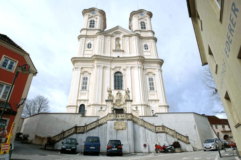 Basilika am Weizberg Vordereingang