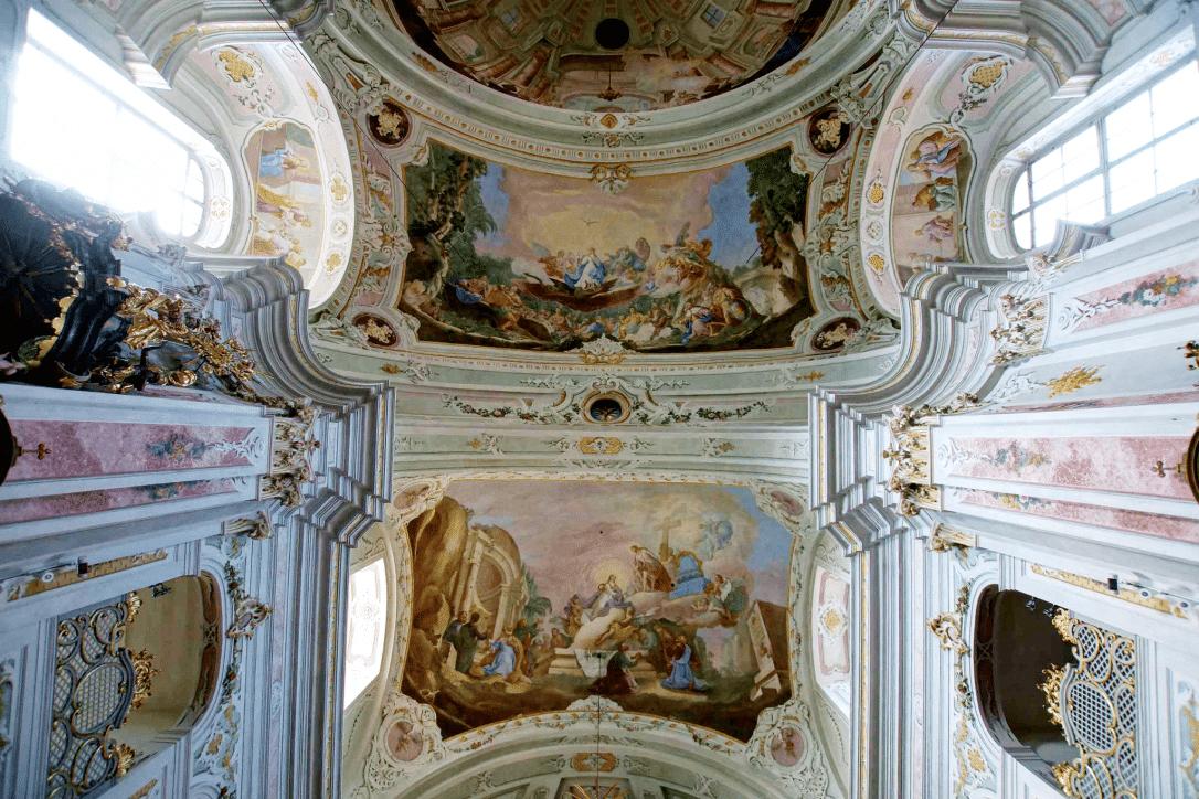 Basilika am Weizberg Innen