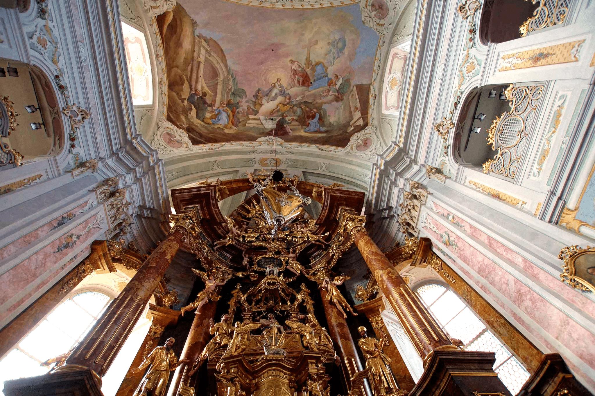 Basilika am Weizberg Altar