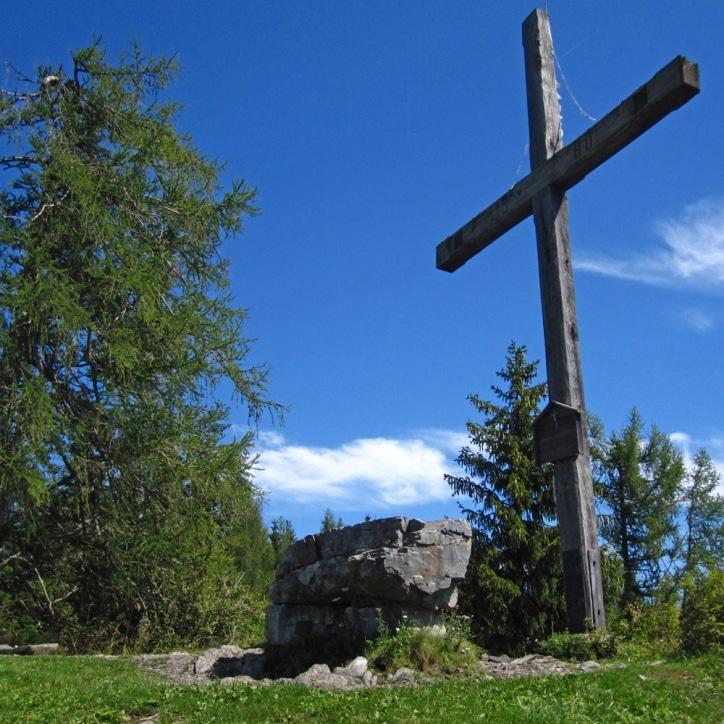 Zetz Gipfelkreuz