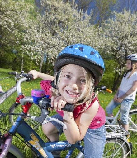 Mädchen Familie Fahrrad Blüte