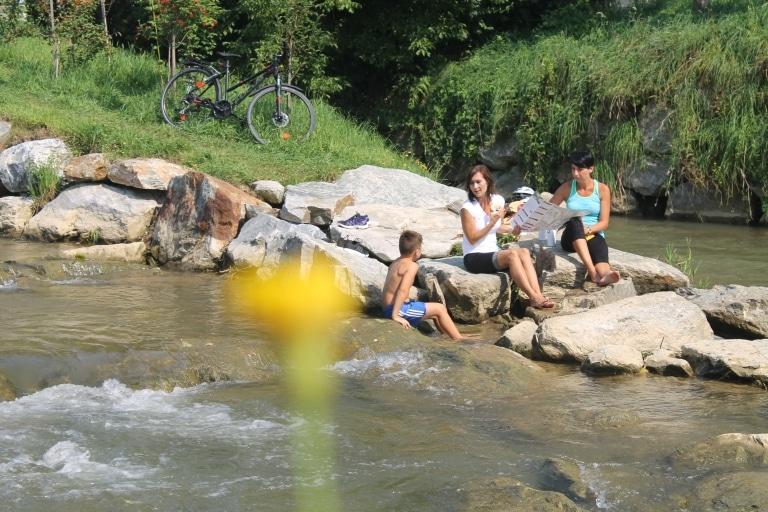 Radeln am Fluss