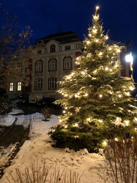 Sie sehen ein Foto von der Weizer Weihnachtsbeleuchtung
